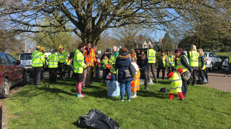 Litter Pickers getting together in Shaftesbury Dorset 13th April 2019
